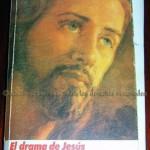 """Libro """"El drama de Jesús"""", regalo del Padre Lope, que Rebeca meditó días antes de su ingreso en el hospital"""