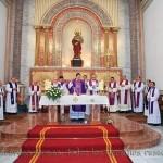Detalle de la Celebración Eucarística concelebrada por quince sacerdotes y dos diáconos