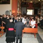 El Obispo Diocesano y varios sacerdotes felicitan a los familiares de Rebeca