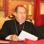 El Obispo de Orihuela-Alicante dirige unas palabras sobre Rebeca a los asistentes