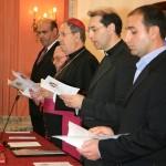 Miembros del tribunal eclesiástico al inicio de la ceremonia